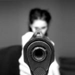 Arrestation d'une compagnonne accusée d'avoir tiré sur un garde
